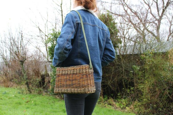 make your own willow foraging bag